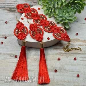 czerwona biżuteria - długie kolczyki chwosty i bransoletka z koralików