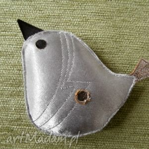 broszka srebrzysty ptak - ptak, srebrzysty, przeszycia, zapięcie