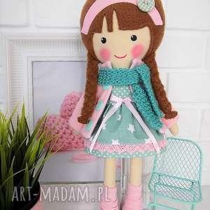 malowana lala klaudia z wełnianym szalikiem, lalka, zabawka, przytulanka, prezent