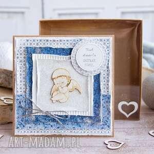 kartka z aniołkiem pudełeczko pamiątka chrztu, urodzin personalizowana treść