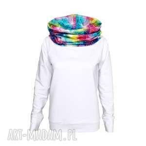 Biała bluza z tęczowym kominokapturem, tęcza, bluza-z-kapturem, tęczowa-bluza