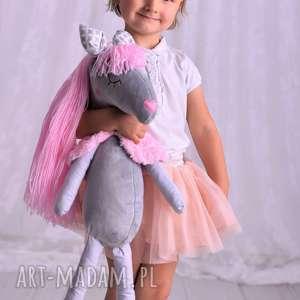 Prezent Przytulanka dziecięca koń z włosami, przytulanka-koń, pomysł-na-prezent