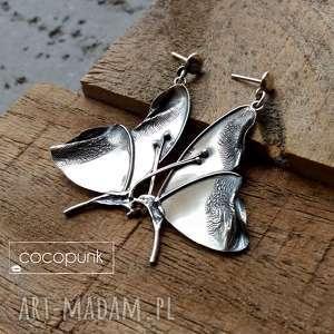 Kolczyki z motylami mniejsze - srebrne, długie, okazałe cocopunk