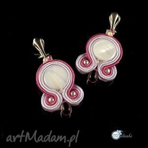 Biało-różowe kolczyki sutasz na klipsach - ,ślub,sutasz,soutache,klipsy,kolczyki,