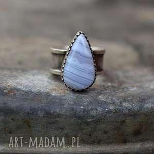 pierścień z agatem koronkowym
