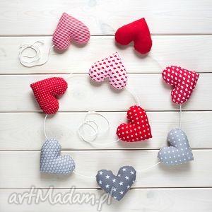 sercowa pozioma girlanda, 9 serc, serse, ozdoba, dekoracja, prezent
