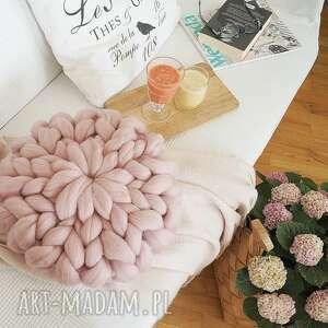 handmade poduszki poduszka czesankowa - jasny róż