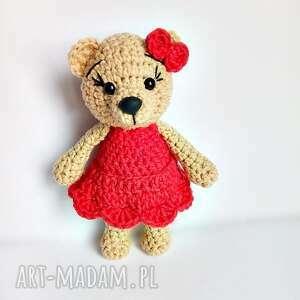 Beżowa misia w czerwonej sukience - 15 cm - ręcznie wykonane
