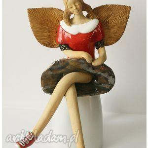 Anioł w trampkach, anioł, ceramika