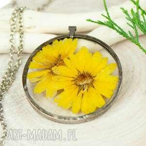 naszyjniki naszyjnik z kwiatów w cynowej ramce z392, kwiaty żywicy, biżuteria