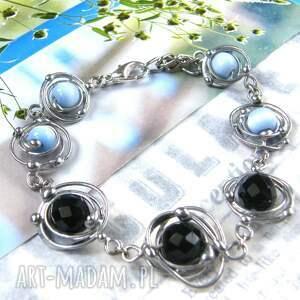 bransoletka z onyksem czarno - błękitna, kamienie