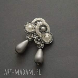 szaro-białe klipsy sutasz, sznurek, wyjściowe, delikatne, eleganckie, wiszące