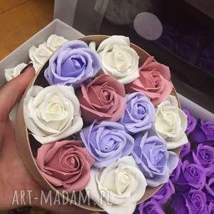 hand-made kosmetyczki box kwiaty z mydła. Super na prezent