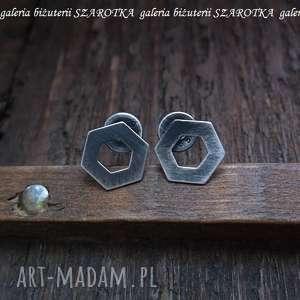 W ULU kolczyki ze srebra, srebro, oksydowane, sześciokąt, sztyfty