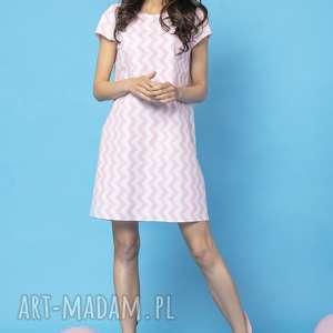 sukienki sukienka z kontrafałdą na plecach, model 32a, zygzak różowy