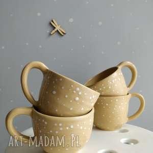 zestaw czterech ręcznie robionych kubeczków ceramicznych, kubek, ceramika, kubki