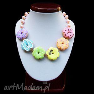 naszyjniki duży naszyjnik z pastelowo-tęczowymi pączkami, naszyjnik, pączki, donuty