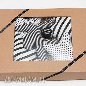 Świąteczna girlanda czarno biała z dzwoneczkiem 150 cm - girlanda, zawieszka