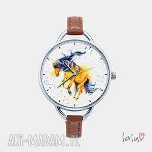 zegarek z grafiką koń, prezent, podkowa, konik, stadnina, kopyto, stajnia