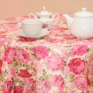 okrągły obrus w kwiaty, obrus, okrągły, róże, kuchenny, lamówka, stół