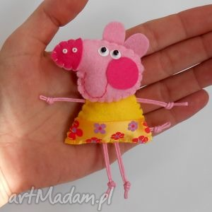 Świnka - broszka z filcu - filc, świnka, broszka, dziecko, prezent, bajka