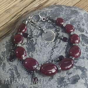 bransoletka srebrna z rubinami, metaloplastyka, srebro oksydowane, biżuteria na