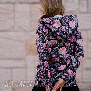 dresowa bluza dzianinowa w różowe kwiaty z dużym kapturem, damska