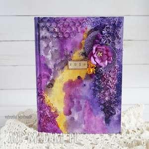 mediowy kalendarz w fioletach, kalendarz, na-biurko, organizer, dla-kobiety, 2018