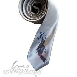 krawat niebezpieczny, krawat, śledzik, nadruk, rewolwer, pistolet, broń
