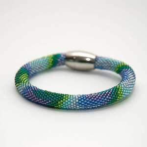 elegancka bransoletka w letnich kolorach, na szydełku