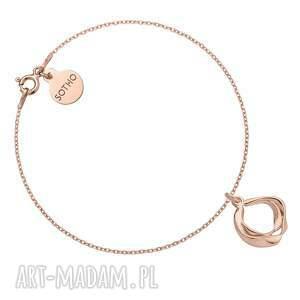 bransoletka z ozdobną zawieszką z różowego złota