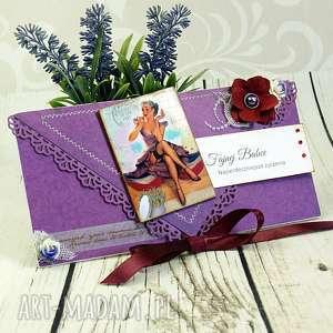 kartka dla fajnej babki - w fioletach pin up girl - urodzinowa, kartka, kopertówka