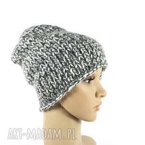 Gruba czapka unisex z wełną zrobiona na drutach czapki