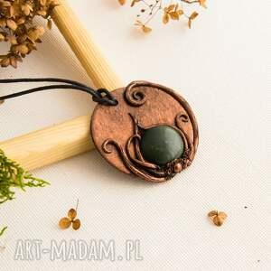 wisiorki wisiorek z zieloną ceramiką, wisiorek, wisior, medalion, boho, dlamamy