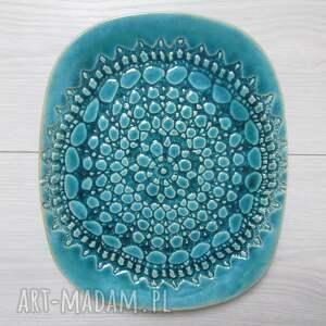 turkusowy talerz z koronką, ceramiczna, patera dekoracyjna, turkusowa, koronkowa