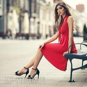 sukienka rozkloszowana wiązana na szyi czerwona t237, sukienka
