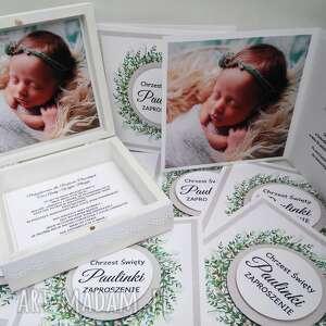 Zaproszenie z wiankiem na chrzest i roczek, delikatne, szare, zielone, rękodzieło