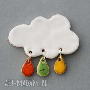 hand-made prezent chmurka i krople deszczu-broszka ceramiczna