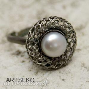 Perła w gnieżdzie pierścionek b960 artseko pierścionki
