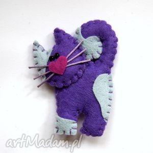 kotek - broszka z filcu - kot, wąsy, filc, broszka, serce, dziecko
