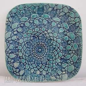 turkusowy koronkowy talerzyk, ceramiczny, ozdobny, dekoracyjny, koronkowy, talerzyk