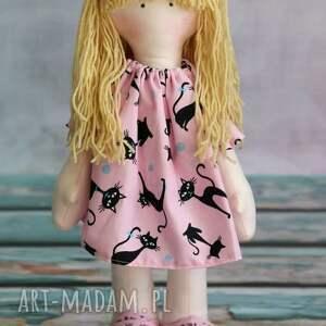 kocia ciocia - lalka samodzielnie stojąca i siedząca, lalka, szmacianka, zabawka