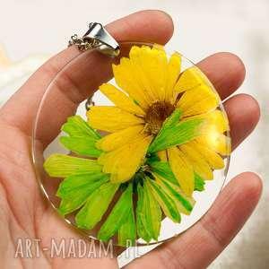 Z122 duży wisior z suszonym kwiatem w żywicy naszyjniki