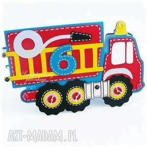 Urodzinowe autko - wóz strażacki dla pani sylwi scrapbooking