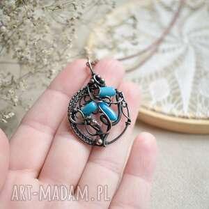 morskie opowieści - naszyjnik z niebieskim koralowcem, koralem