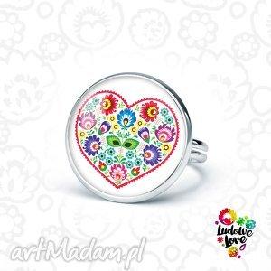 pierścionek ludowe serce, folk, polskie, tradycje, łowickie, kwiaty, prezent