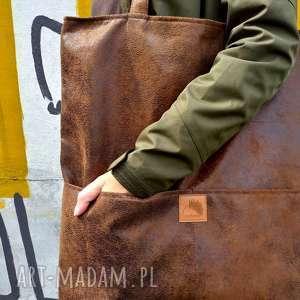 Brązowa zamszowa torebka shopper do noszenia na ramieniu torebki