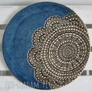 hand-made ceramika granatowa patera z koronką