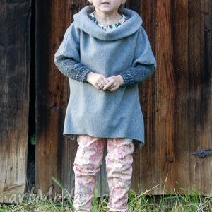hand-made wełniany płaszczyk o unikatowym kroju