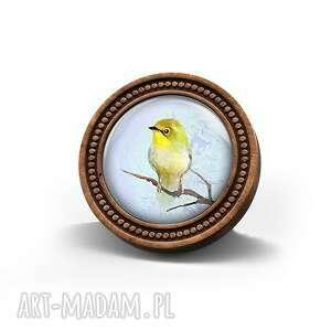 broszka drewniana liliarts - żółty ptaszek (ptak, drewno, naturalna)